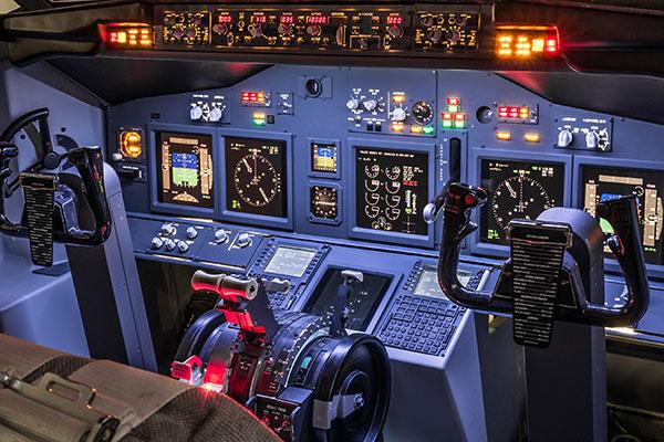 آوسبیلدونگ تکنیسین برق هواپیما